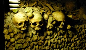 Paris Catacombs Skulls (www.free-city-guides.com)