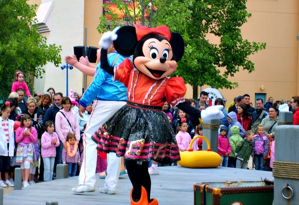 Disneyland Paris Minnie Mouse (www.free-city-guides.com)