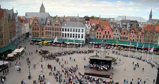Bruges Markt summer (www.free-city-guides.com)
