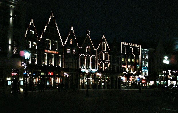 Bruges Markt at night