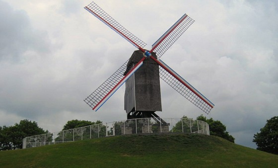 Bruges Windmill front view (www.free-city-guides.com)