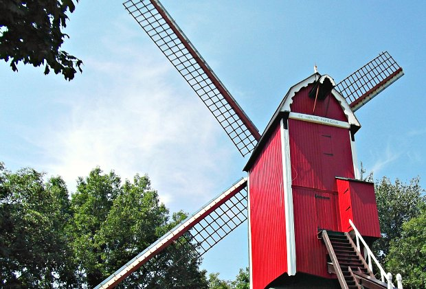 Bruges windmill red