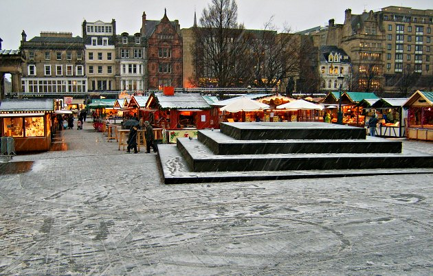 Edinburgh Christmas Market new
