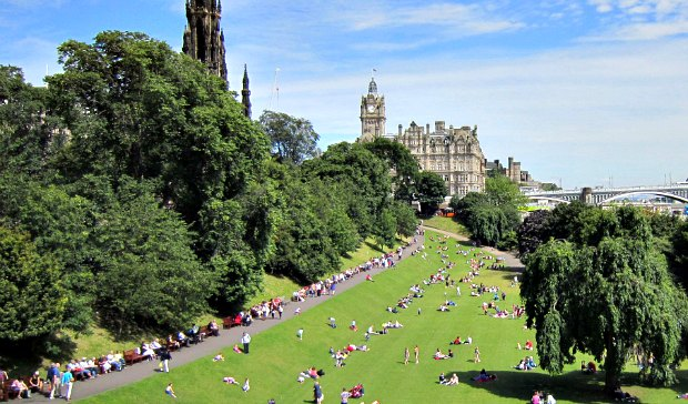 Edinburgh Princes Street Gardens people