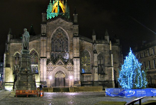 Edinburgh St Giles Christmas Night