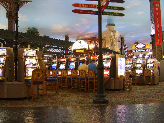 8 Things You Either Love or Hate About Las Vegas   Oyster.com   Paris Hotel Las Vegas Inside