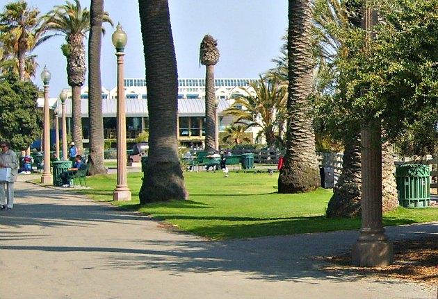 Los Angeles Santa Monica Walkway