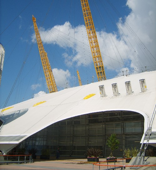 The o2 london directions what to see river cruises for Hotels 02 arena london