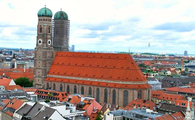 Munich Frauenkirche exterior view