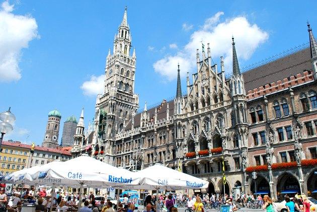 Munich Marienplatz Cafes New