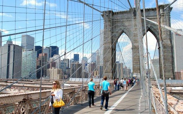 New York Brooklyn Bridge Walkway New