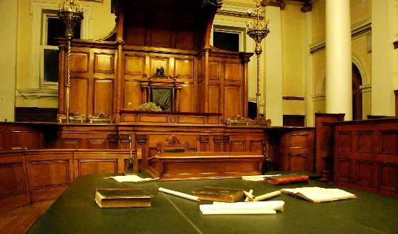 Nottingham Galleries of Justice Courtroom (www.free-city-guides.com)
