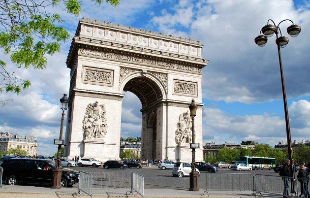 Arc de Triomphe dayitme