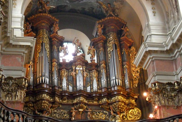Prague Tyn church organ