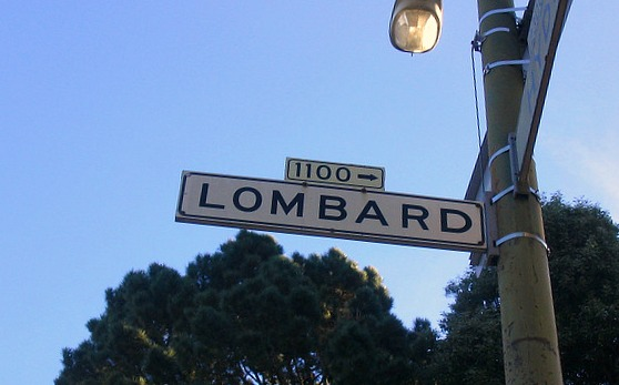 San Francisco lombard street sign