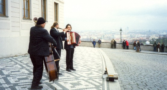 Prague Castle musicians (www.free-city-guides.com)