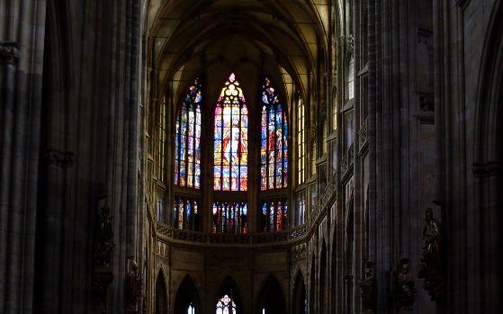 Prague St Vitus Cathedral inside (www.free-city-guides.com)