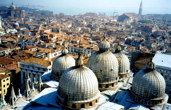 Venice St Mark's Basilica from the Campanile (www.free-city-guides.com)