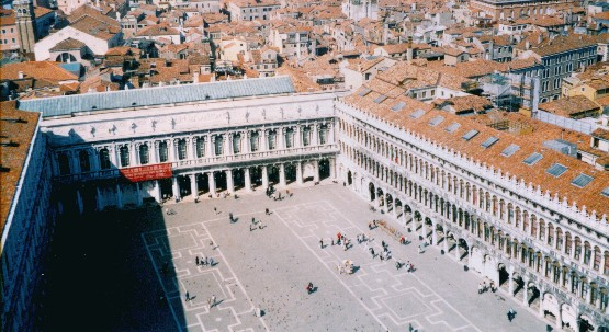 Venice St Marks Square from campanile (www.free-city-guides.com)