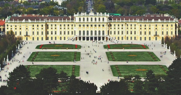 Vienna Schonbrunn Palace from hill