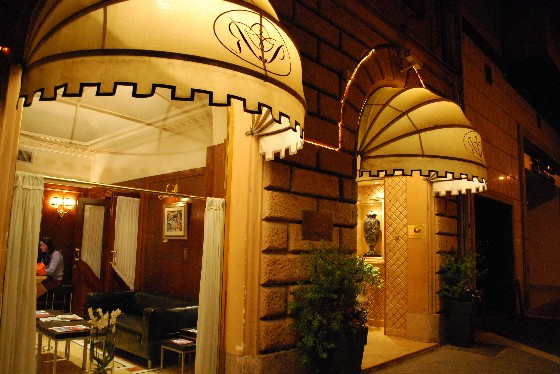Rome River Palace Hotel (www.free-city-guides.com)