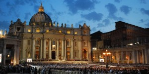 Rome St Peters Basilica at night (www.free-city-guides.com)