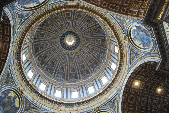 Rome St Peters Basilica roof (www.free-city-guides.com)