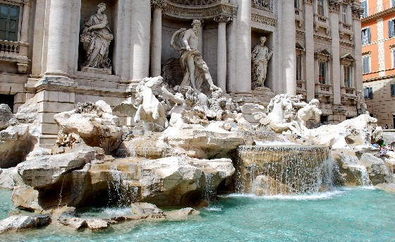 Rome Trevi Fountain (www.free-city-guides.com)