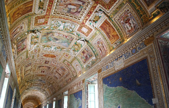 Rome Vatican Museums map hall (www.free-city-guides.com)