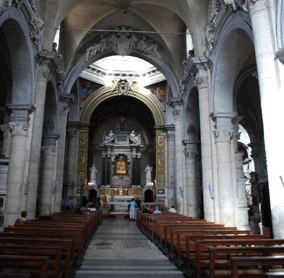 Rome Santa Maria del Popolo aisle (www.free-city-guides.com)