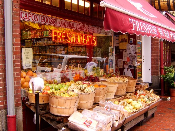 Boston Beacon Hill shop (www.free-city-guides.com)