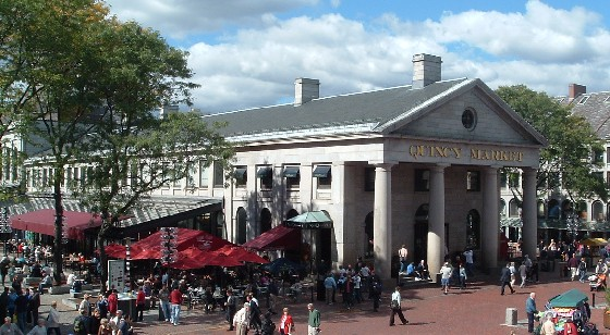 Boston Quincy Market sunshine (www.free-city-guides.com)