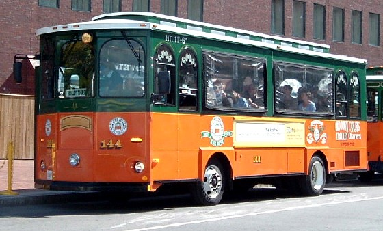 Boston Trolley Tour Bus (www.free-city-guides.com)