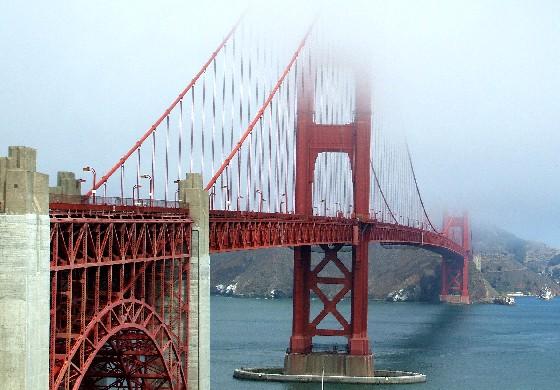 San Francison Golden Gate Bridge fort side (www.free-city-guides.com)