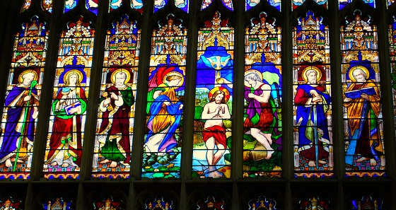 STratford Shakespeares Church stained glass (www.free-city-guides.com)