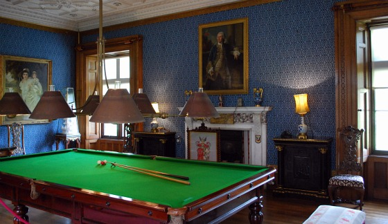 Stratford Charlecote Park Billiards Room (www.free-city-guides.com)