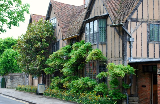 Stratford Halls Croft Front (www.free-city-guides.com)