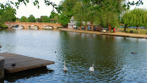 Stratford River Avon Rowing Club view (www.free-city-guides.com)