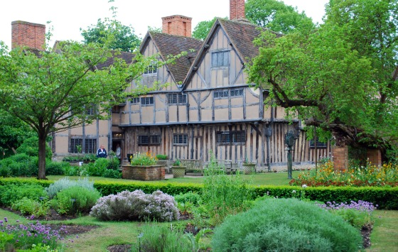 Stratford upon Avon Halls Croft rear garden (www.free-city-guides.com)