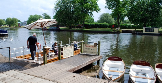 Stratford Upon Avon River Rowing Boats (www.free-city-guides.com)