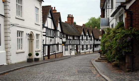Warwick Mill Street wide (www.free-city-guides.com)