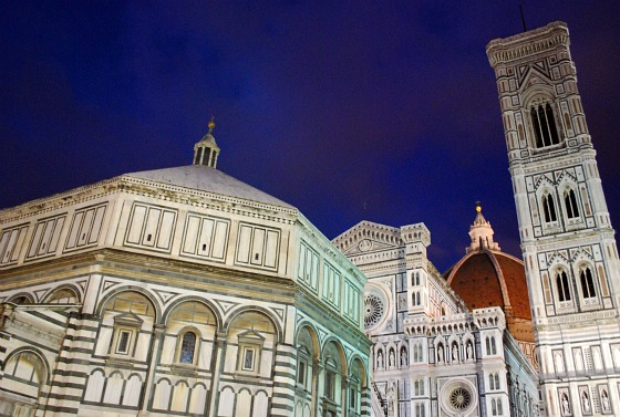 Florence Duomo at night (www.free-city-guides.com)