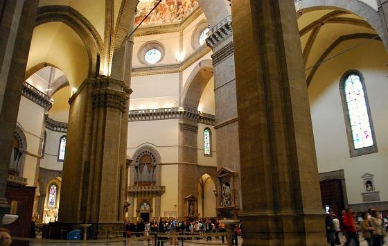 Florence Duomo inside (www.free-city-guides.com)