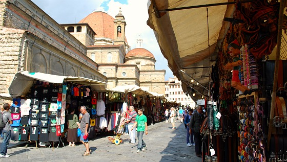 Florence San Lorenzo Street Market (www.free-city-guides.com)
