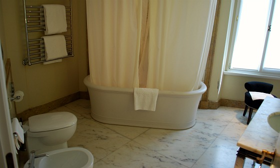 Florence Hotel L'Orologio Bathroom (www.free-city-guides.com)