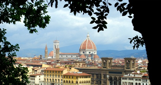 Florence Piazzale Michelangelo half way (www.free-city-guides.com)