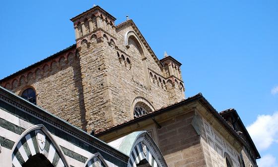 Florence Santa Maria Novella roofline (www.free-city-guides.com)