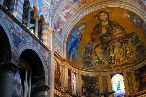 Pisa Duomo Christ frescoe (www.free-city-guides.com)
