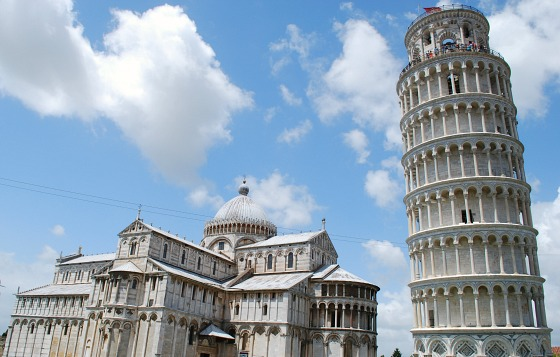 Pisa Leaning Tower with Duomo (www.free-city-guides.com)