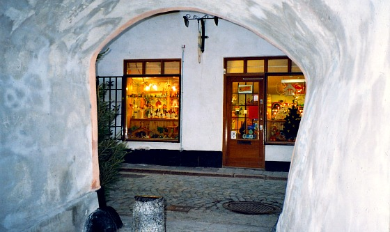 Stockholm Gamla Stan Arch (www.free-city-guides.com)